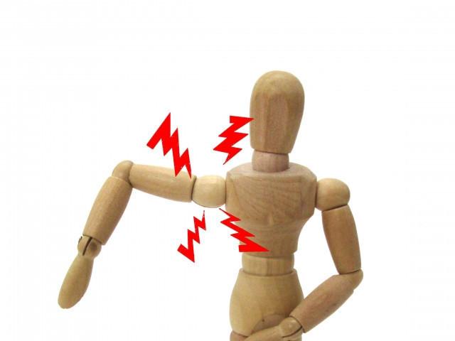 肩の痛みがある人形の写真